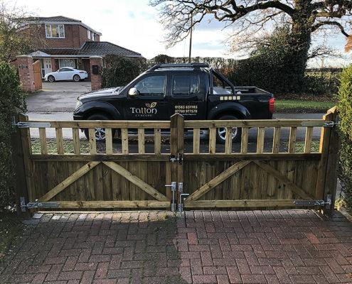 entrance gates 16 tatton fencing