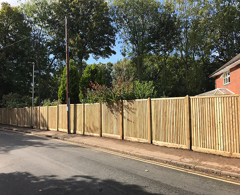 featherboard panels timber post 01 tatton fencing