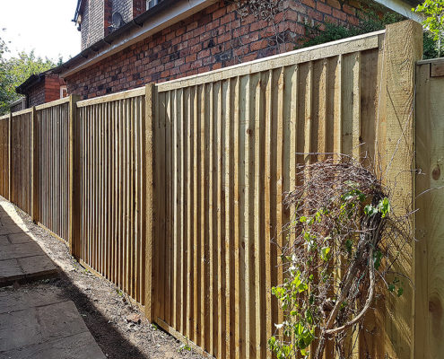 featherboard panels timber post 02 tatton fencing