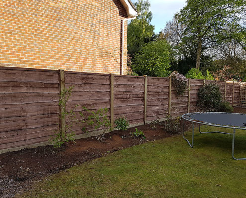 heavy waneylap panels timber post 02 tatton fencing