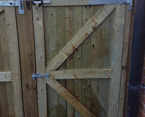 side gates 13 tatton fencing